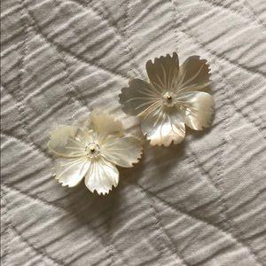 Nicola Bathie pearl flower earrings